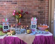 2014-05-07_Stiehl-luau-tablescapes-casual-backyard-soiree